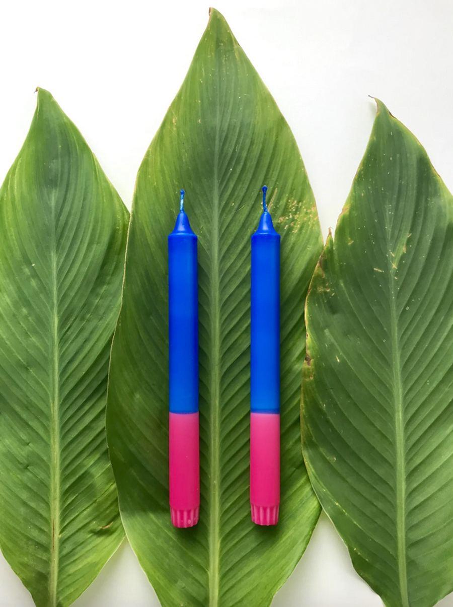 Kerze in Blau-Pink