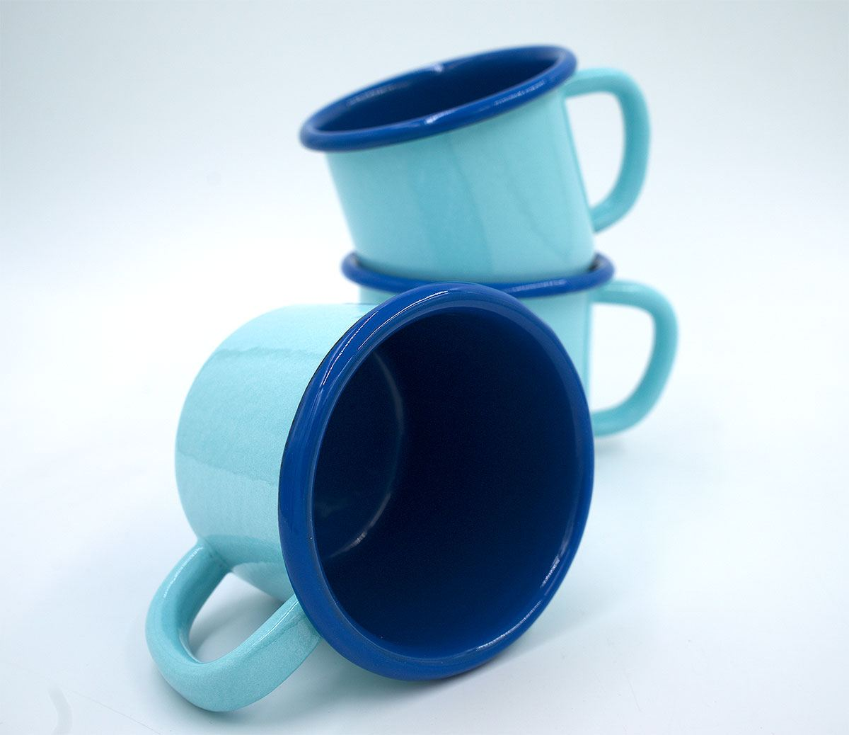 Becher Emaille Hellblau Blau