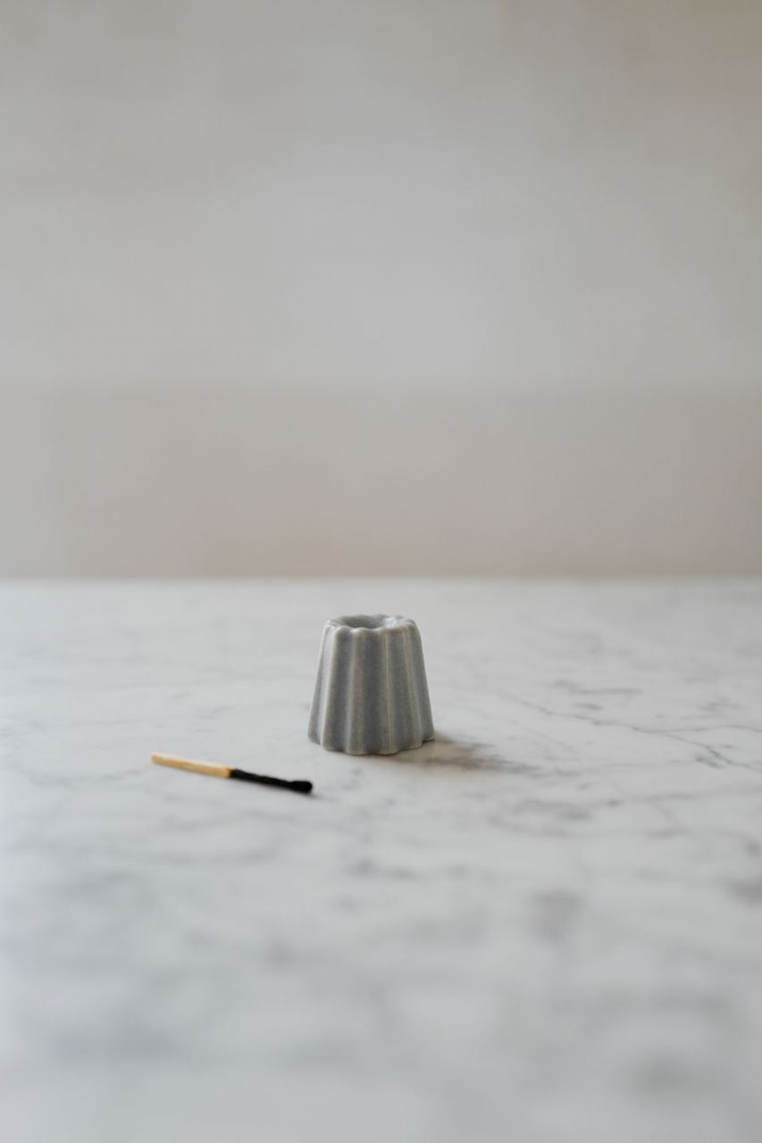 OVO Things Kerzenhalter Matte Grey