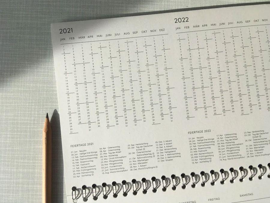 The Boring Day Tischkalender 2021 Kobaltblau