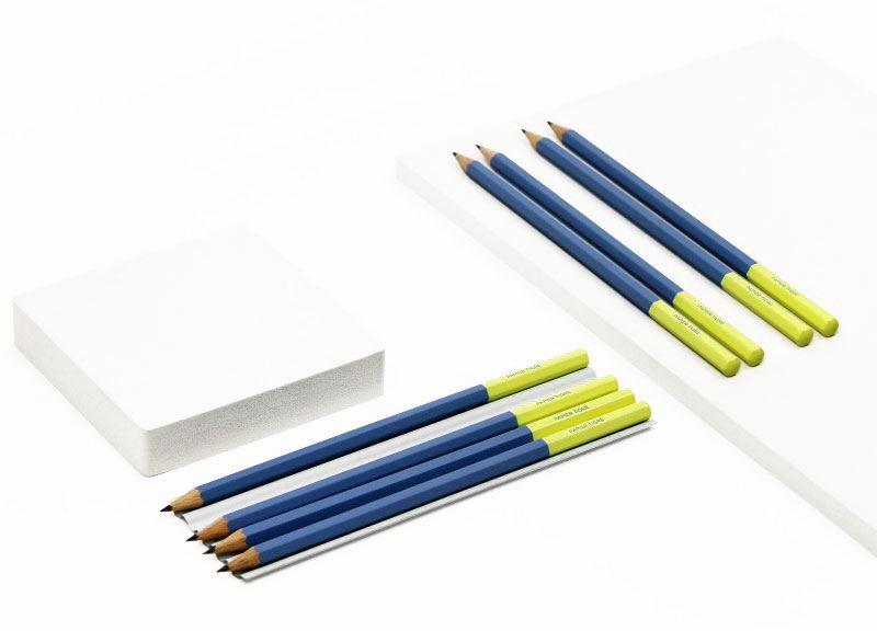 Papier Tigre Bleistift Blau Gelb
