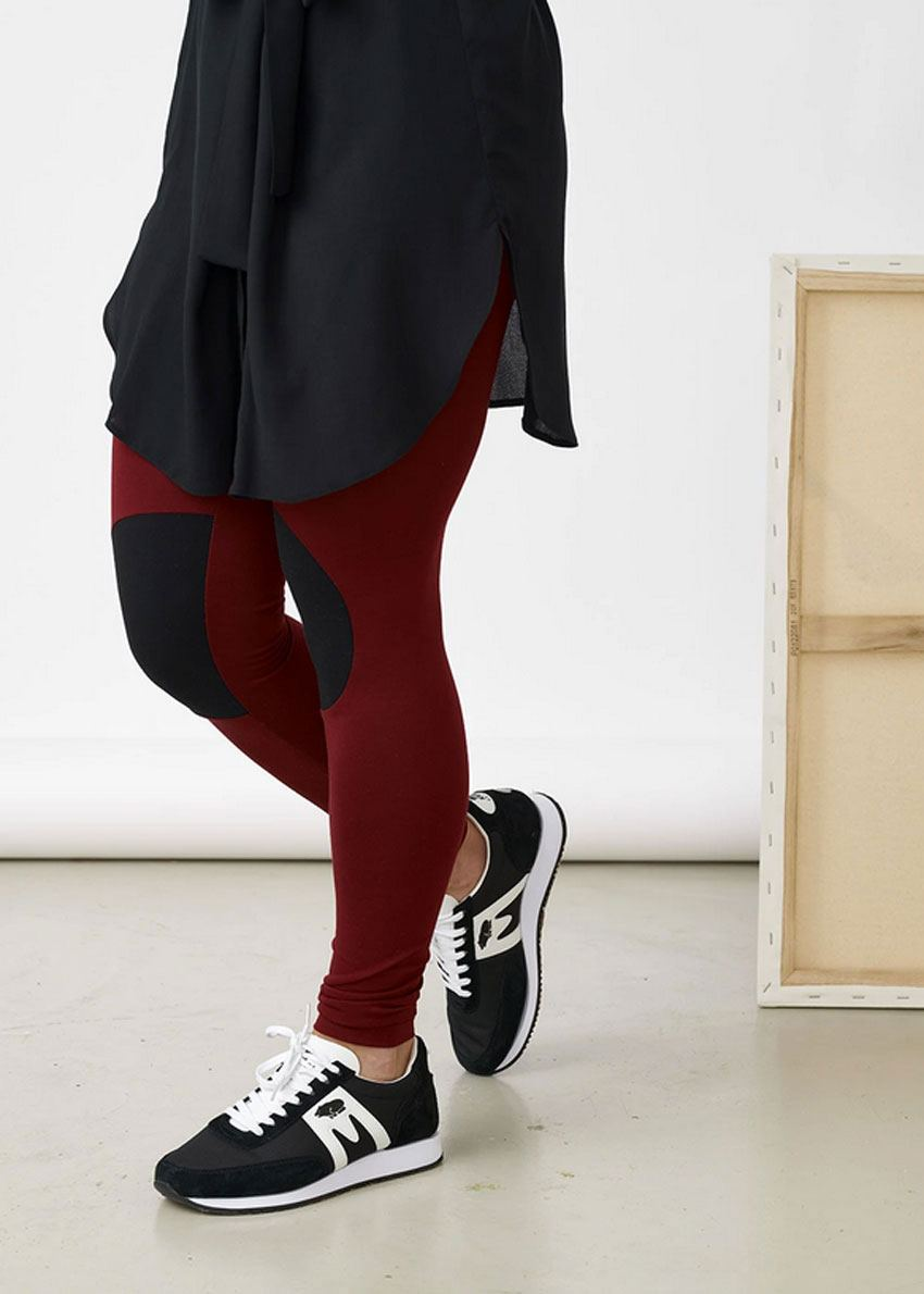 Patch Leggings Deep Red Black
