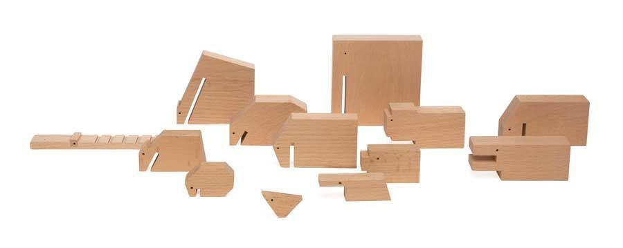 Wooden Animals Set mit 13 Holztieren