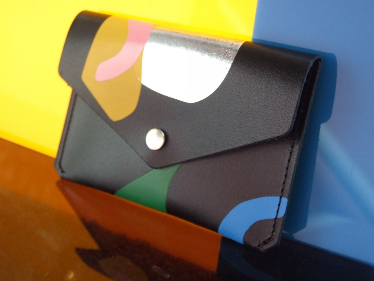 Abstract Popper Purse Black