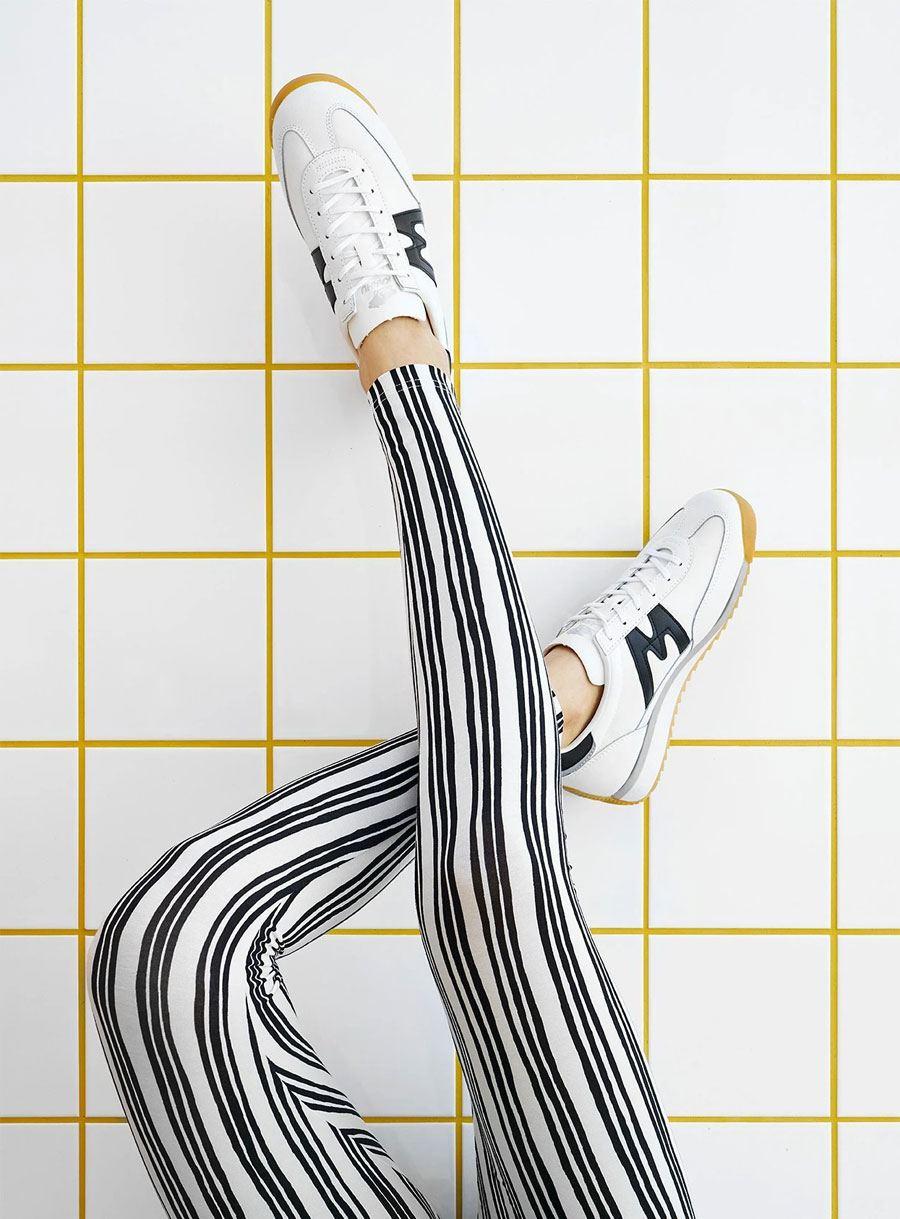 Stave Leggings Black White