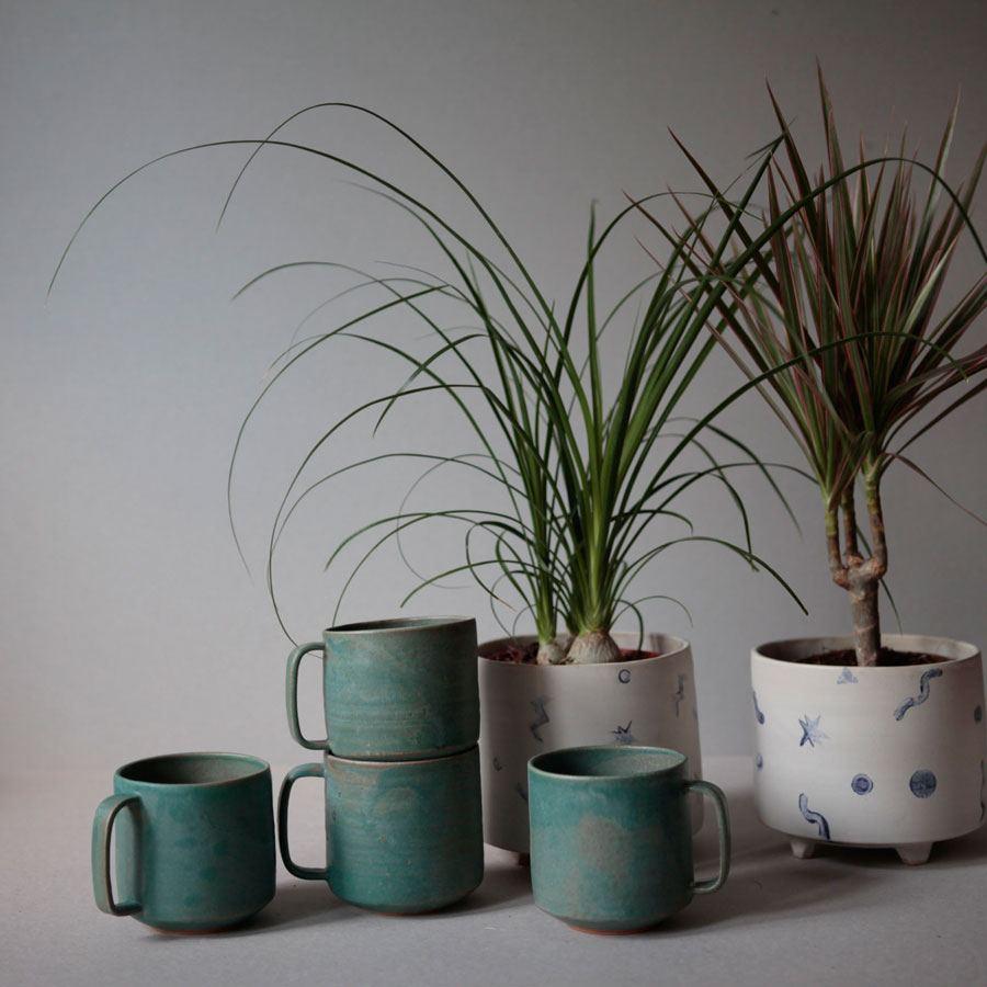 Pot on 4 Legs Geometric Large