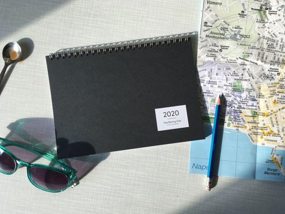The Boring Day Tischkalender 2020 Schwarz